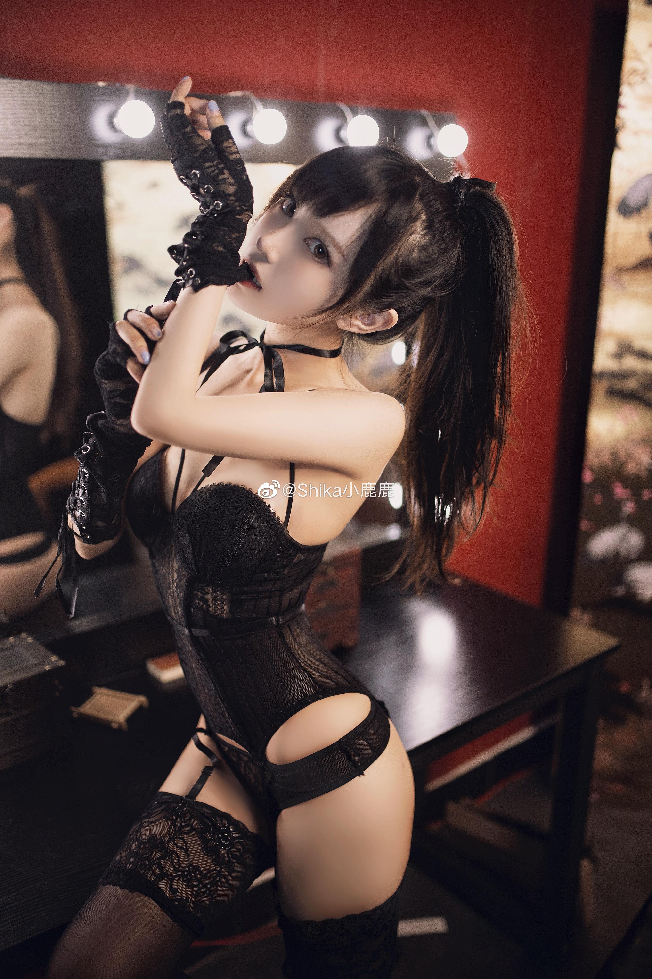 妹子微博:@Shika小鹿鹿,圖片出自她的實體寫真集《妄想天國》