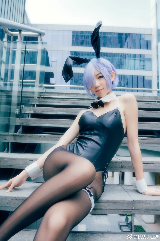 漫展上的萌妹子兔女郎返图,黑丝真棒(9P)