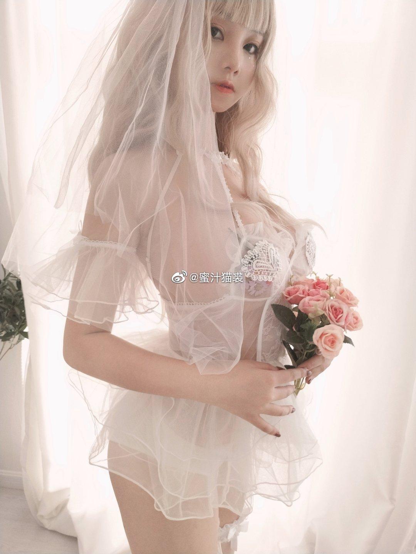 萌妹子的情趣婚纱