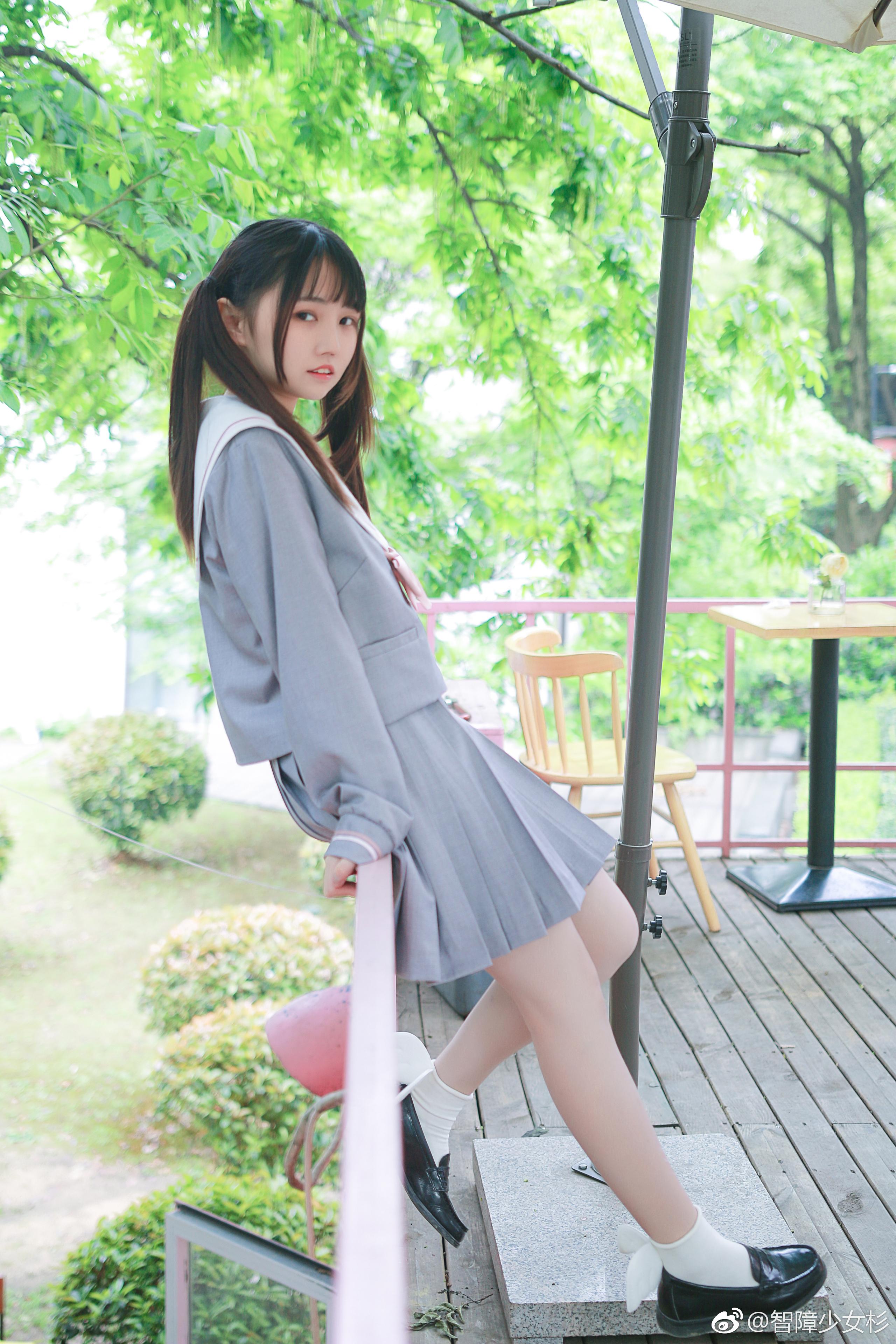 可爱双马尾萌妹子的JK制服 美女写真-第4张