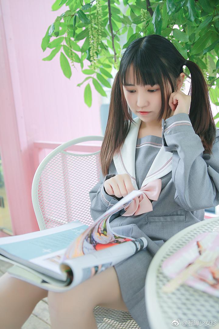 可爱双马尾萌妹子的JK制服 美女写真-第5张