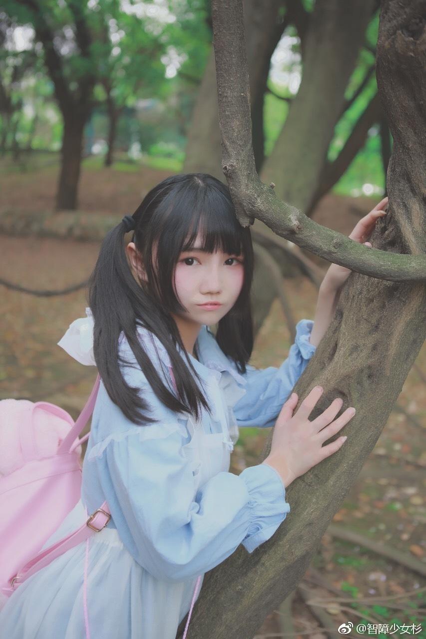 萌妹子网福利写真:萝莉少女的绝对领域(9P)