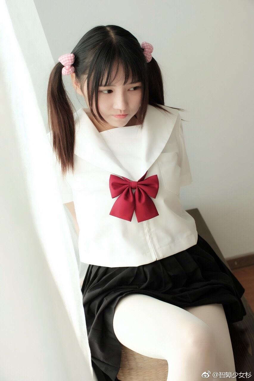 少女感十足的制服萌妹子,白丝PRPR(9P)