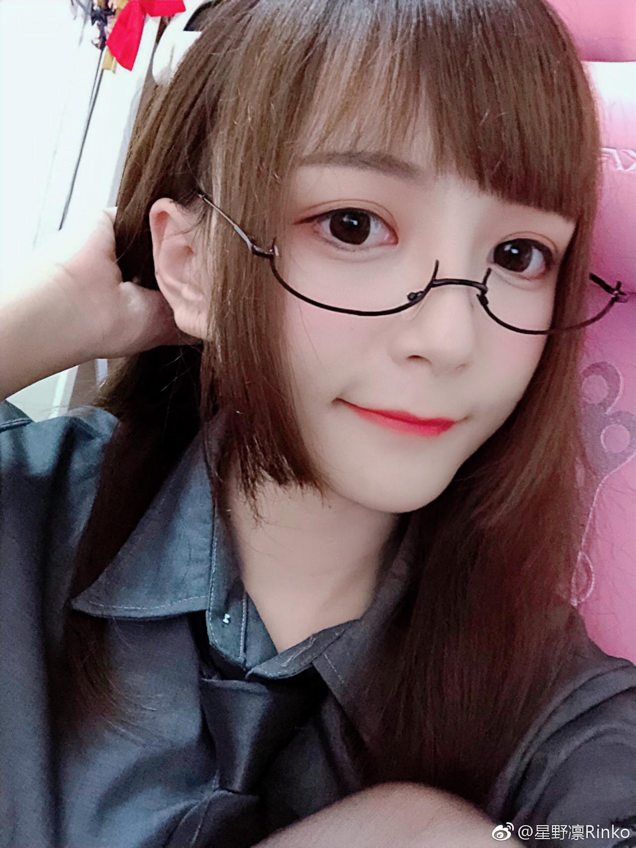 漂亮大姐姐的黑丝美jio(6P)