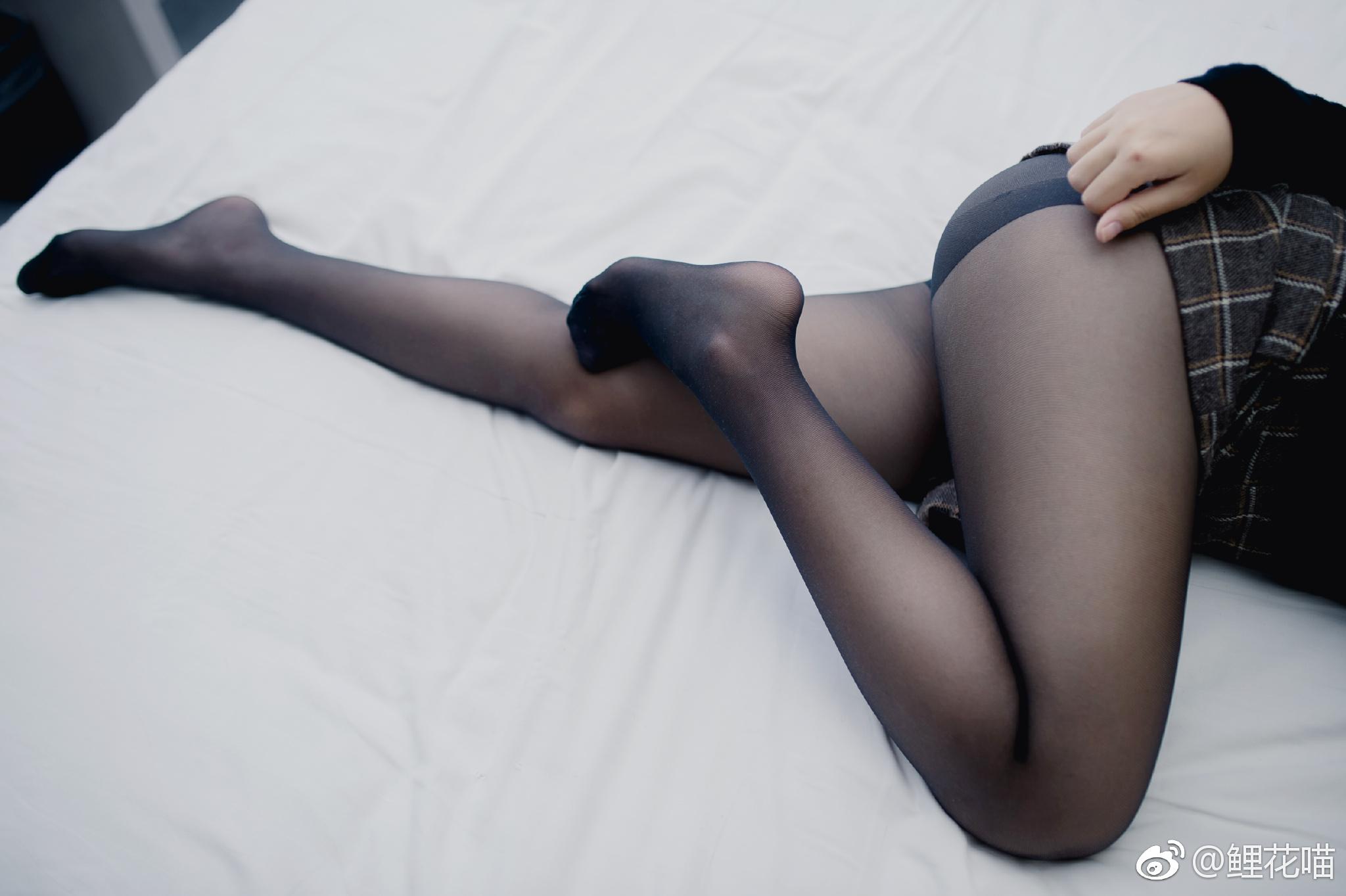 颜值好高的丝袜小姐姐,这黑丝PRPR(9P)