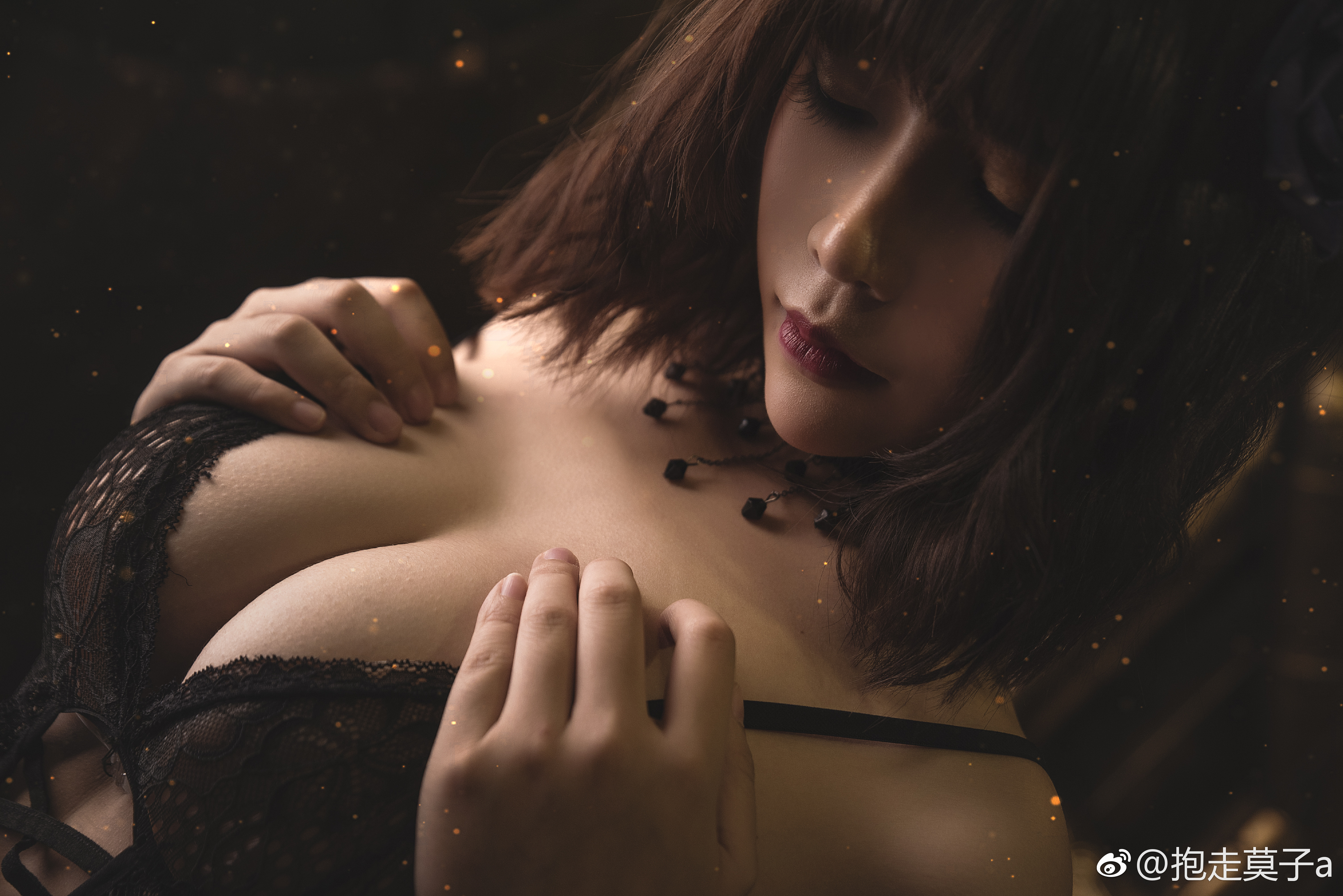 萌妹子的微博5W粉丝福利,少女内衣私房写真(9P)