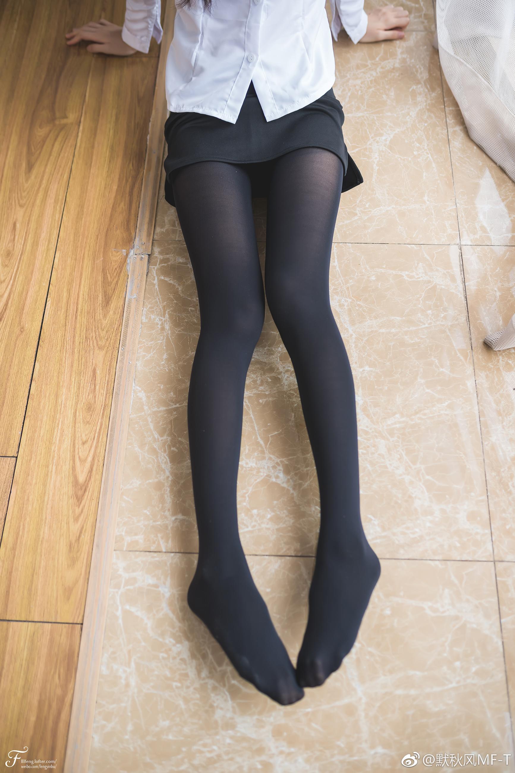 制服萌妹子的黑丝大长腿!(9P)