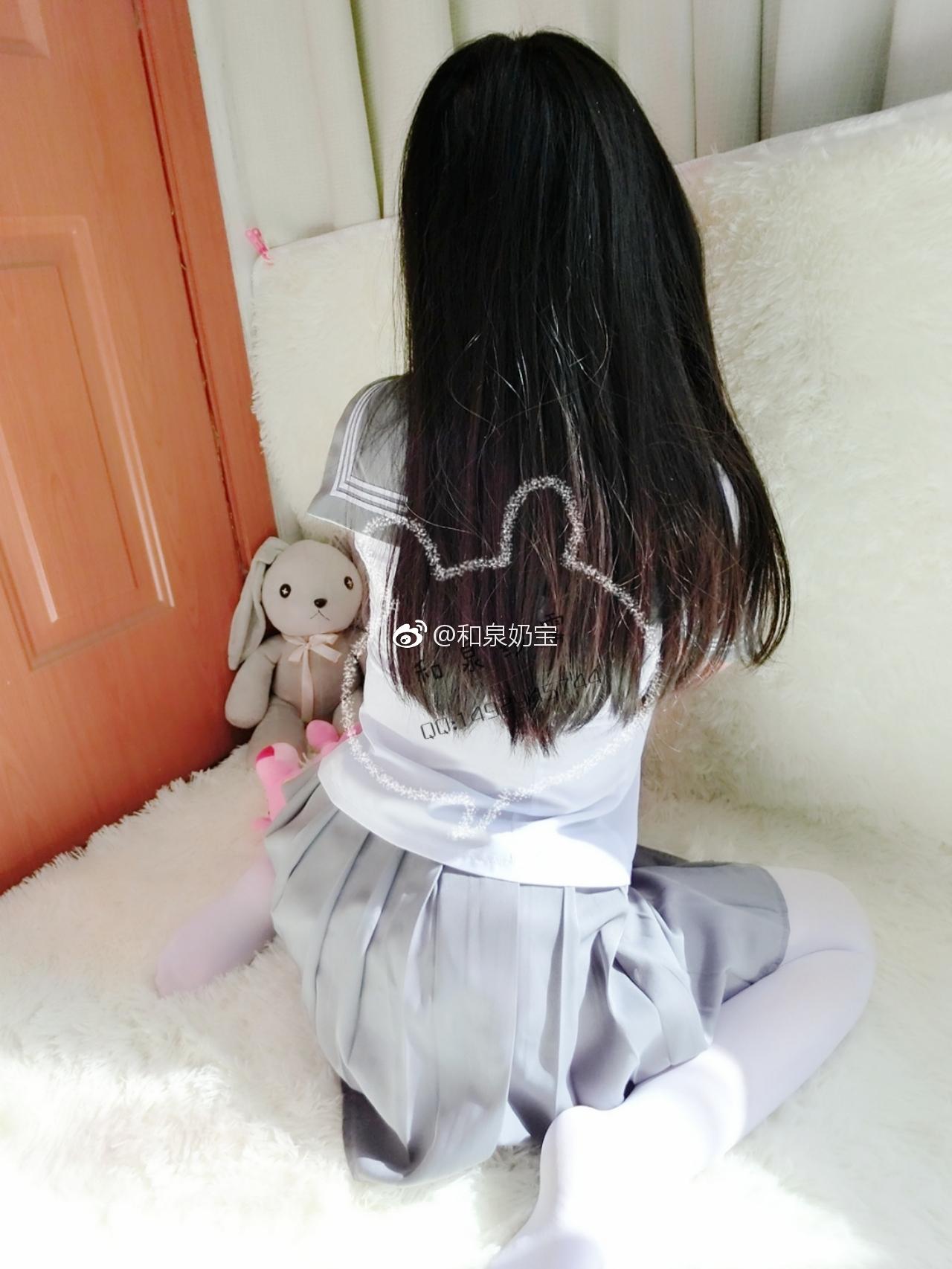 喜欢这个制服少女的白丝吗?(9P)