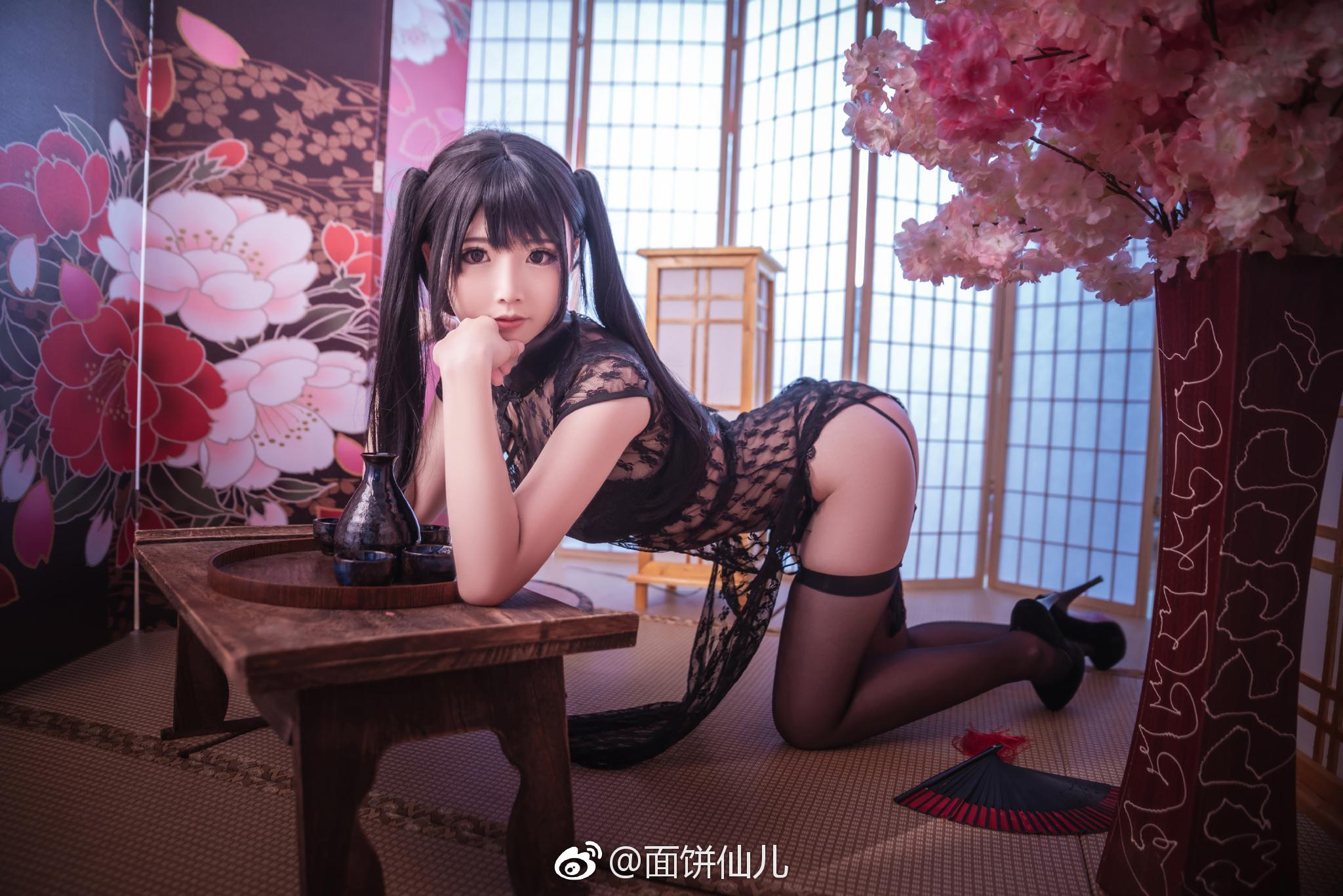 黑丝腿控福利:面饼仙儿透明旗袍系列(9P)