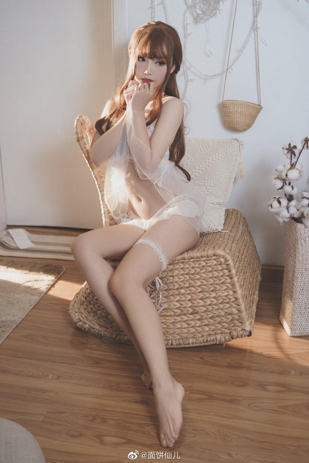 天气太热,这就是你在家穿这种睡衣的理由? 美女写真-第8张