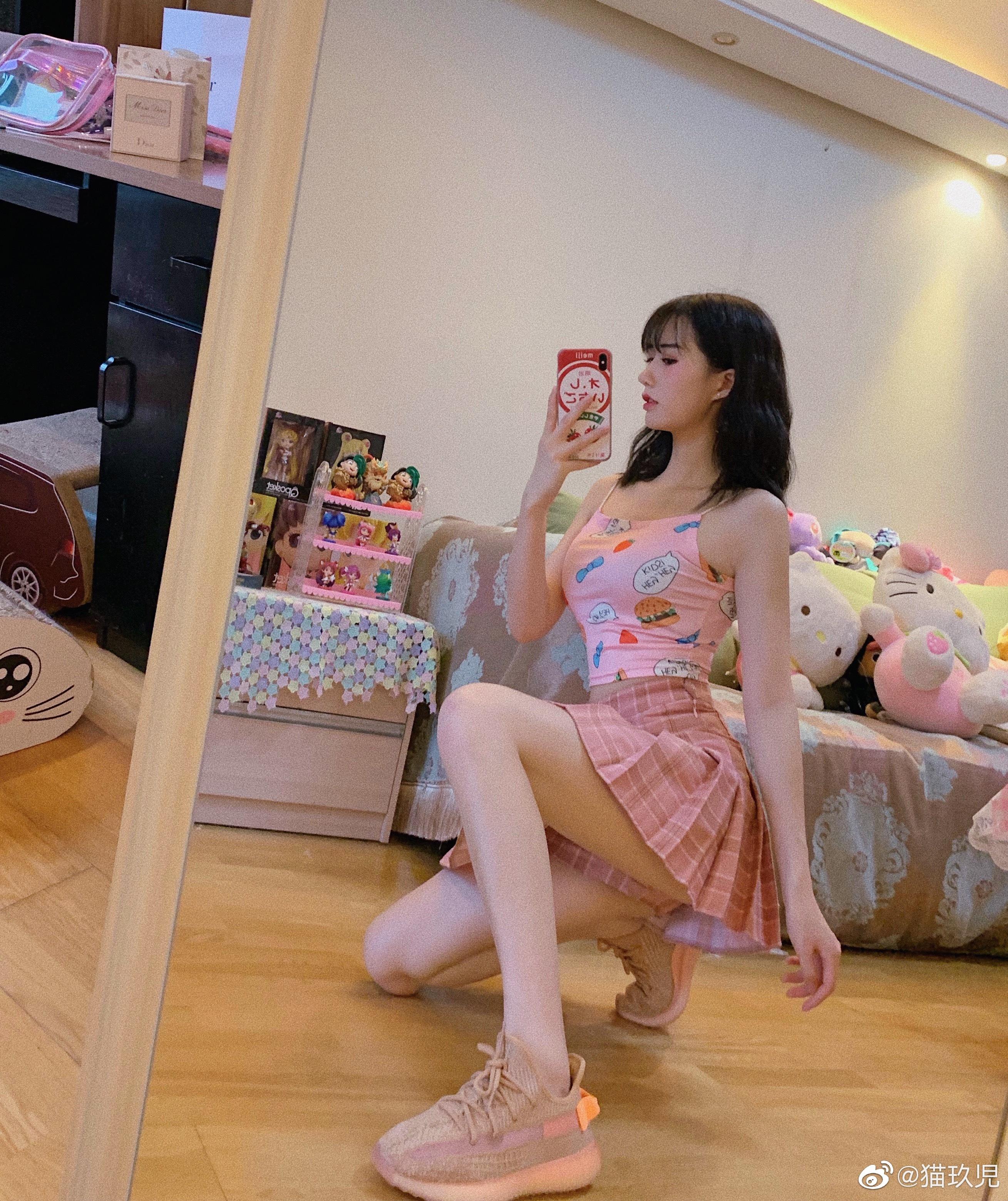 大长腿的粉色系软妹