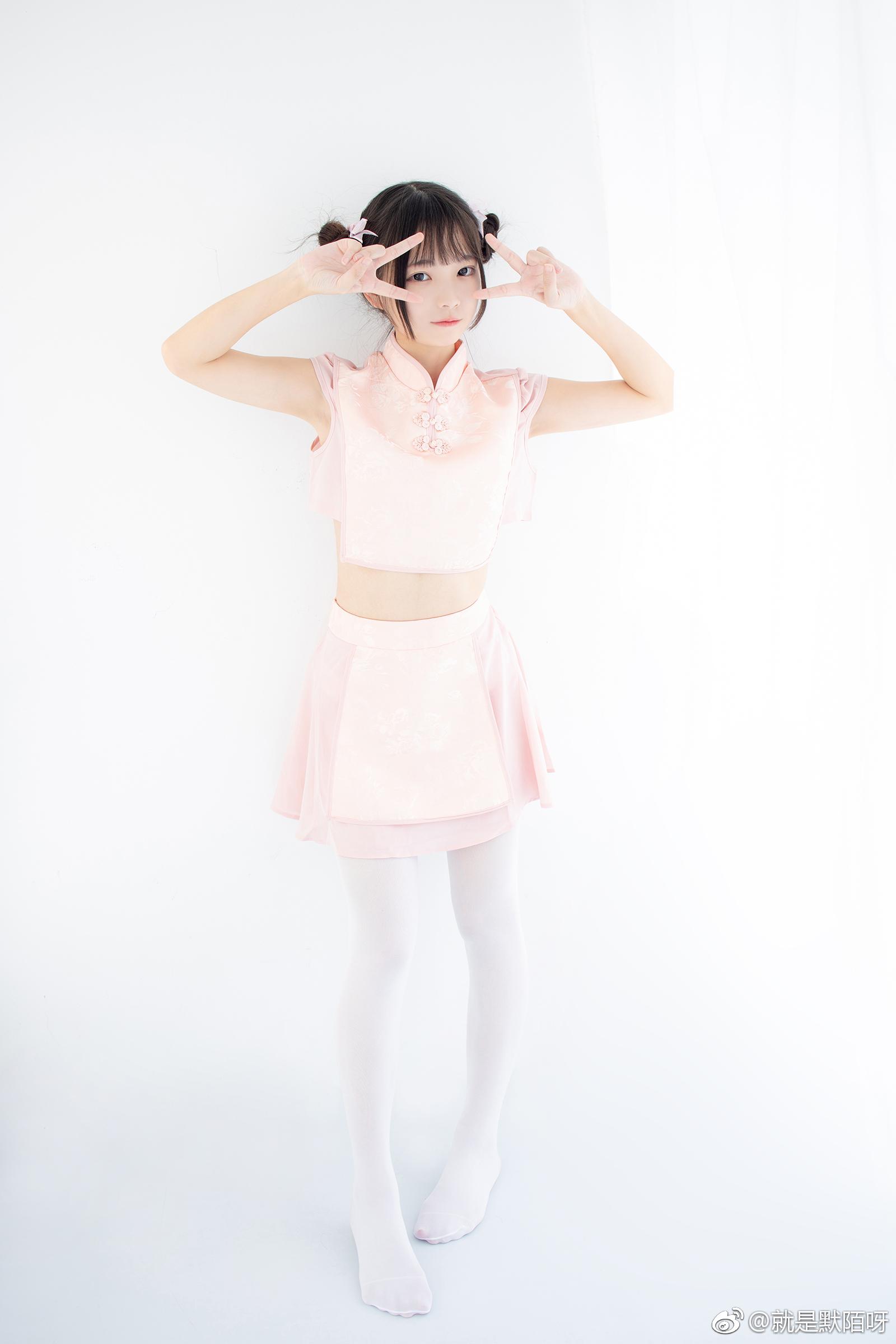 森萝财团X-052写真预览,丸子头妹子好可爱 美女写真-第1张