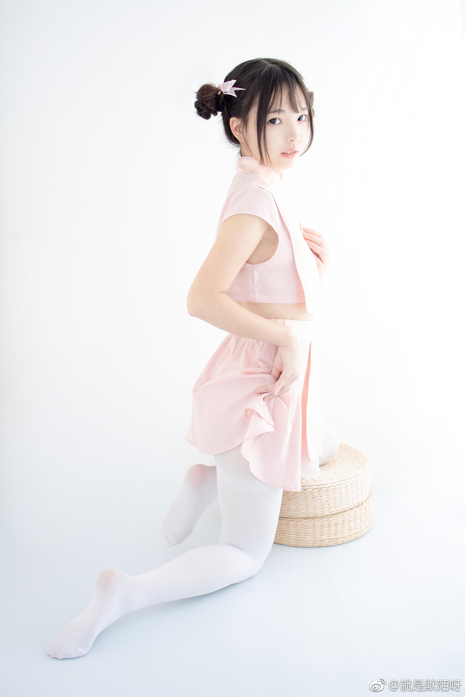 森萝财团X-052写真预览,丸子头妹子好可爱 美女写真-第2张