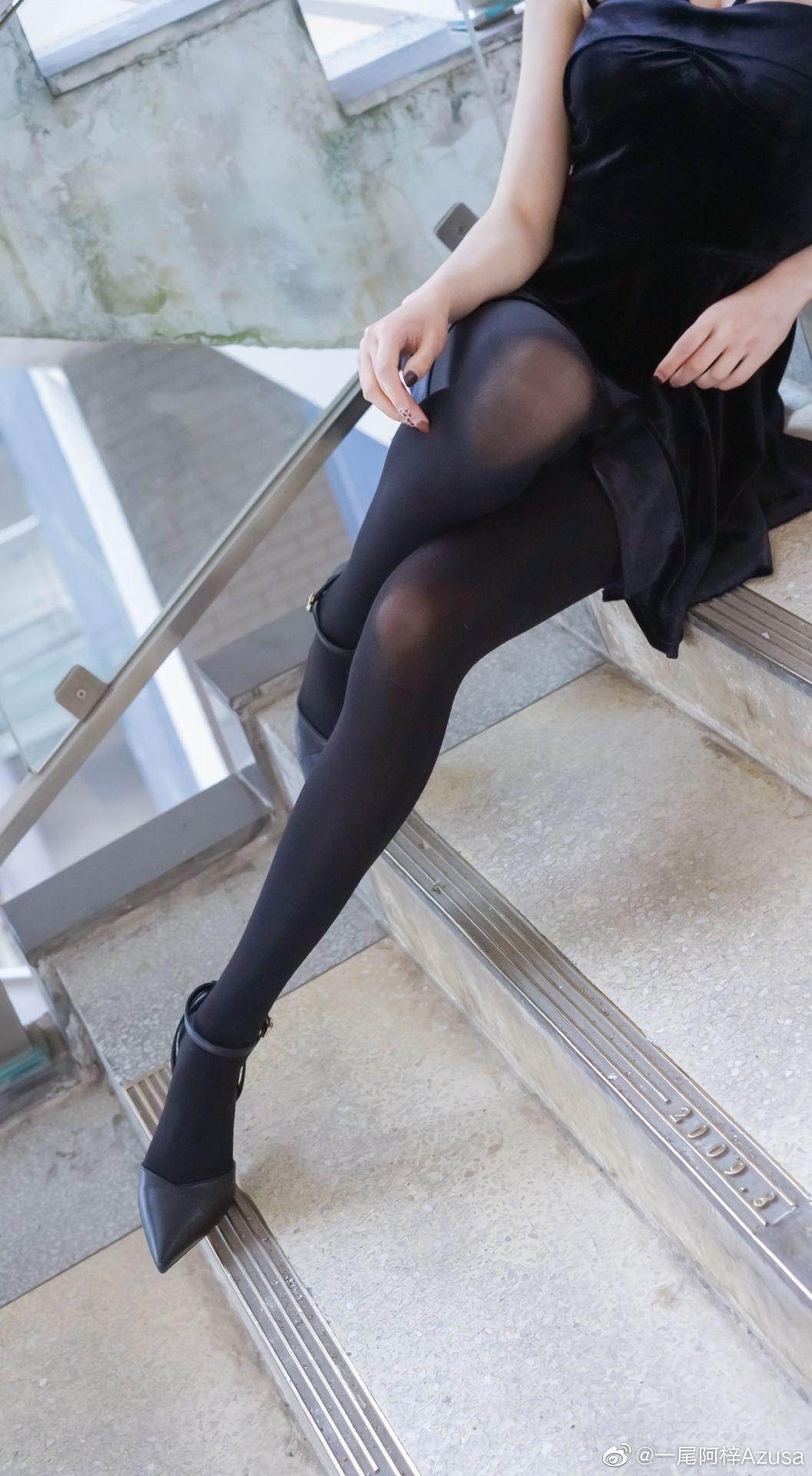 美不美看大腿,我不一样,我全看