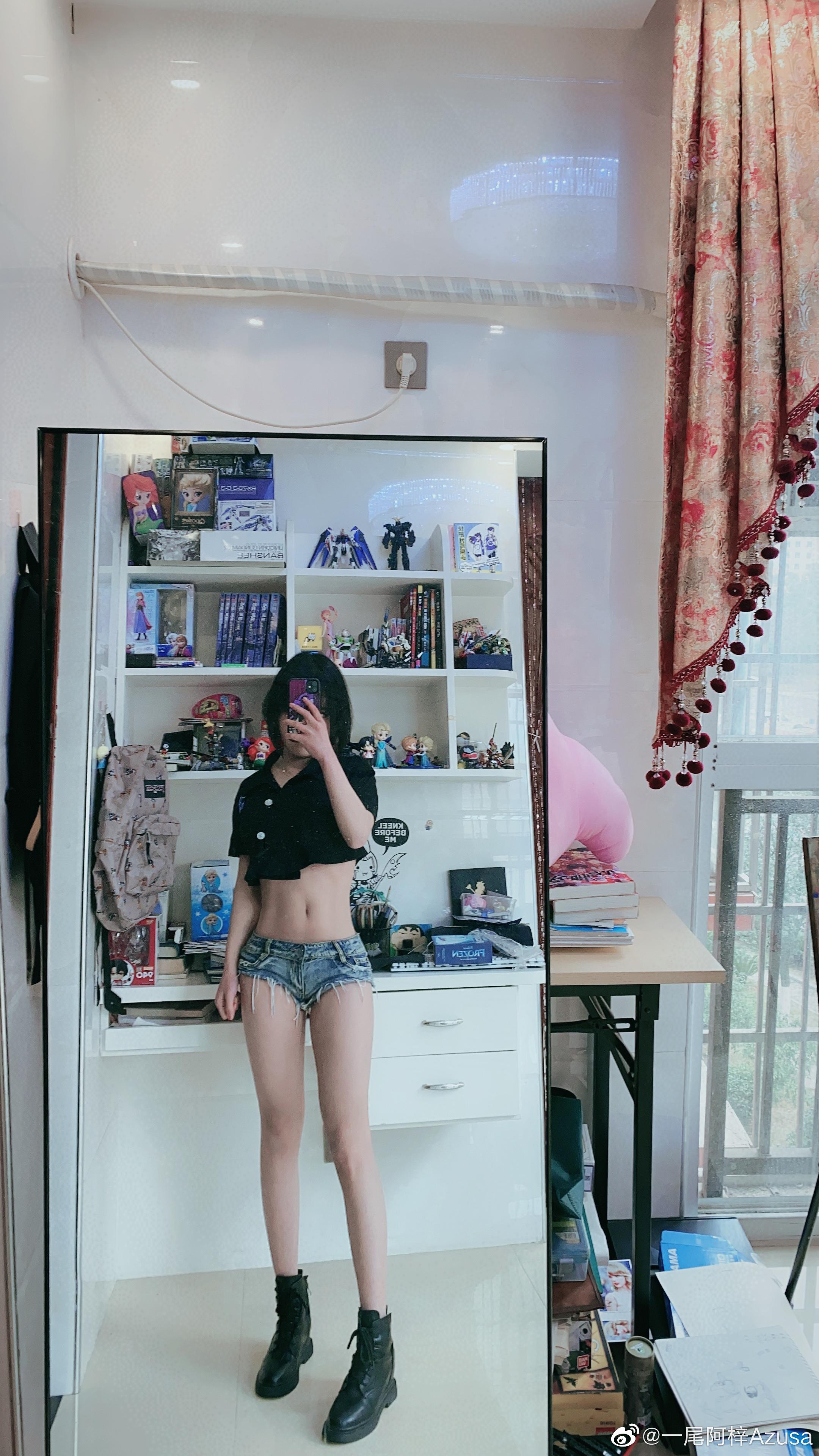 大家好,我是阿梓家的镜子(14P)