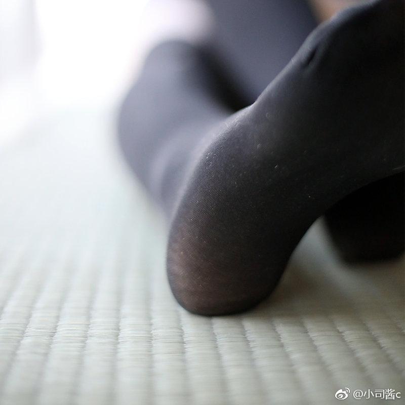 拼接黑色丝袜,绝对领域好评