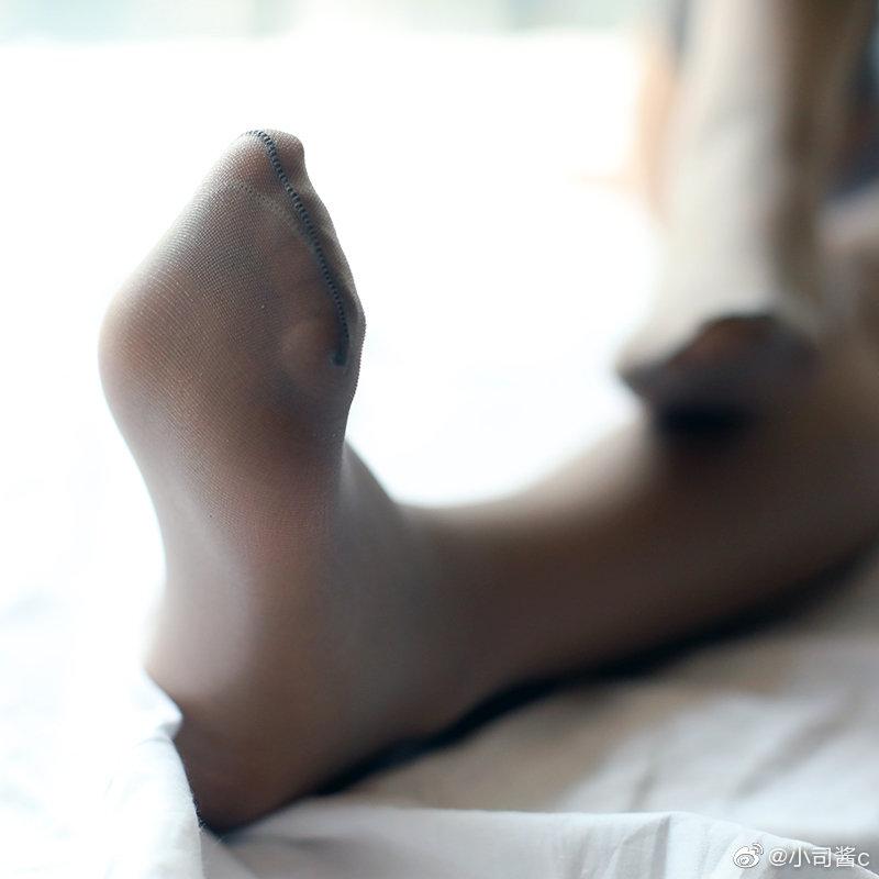 花边的灰色长筒丝袜 绅士领域-第5张