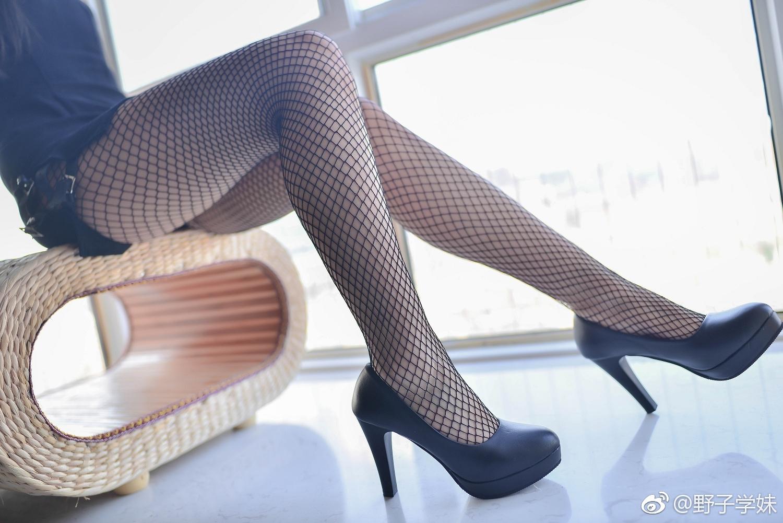 萌妹子的撩人私房,这渔网袜让人血槽空了!(9P)