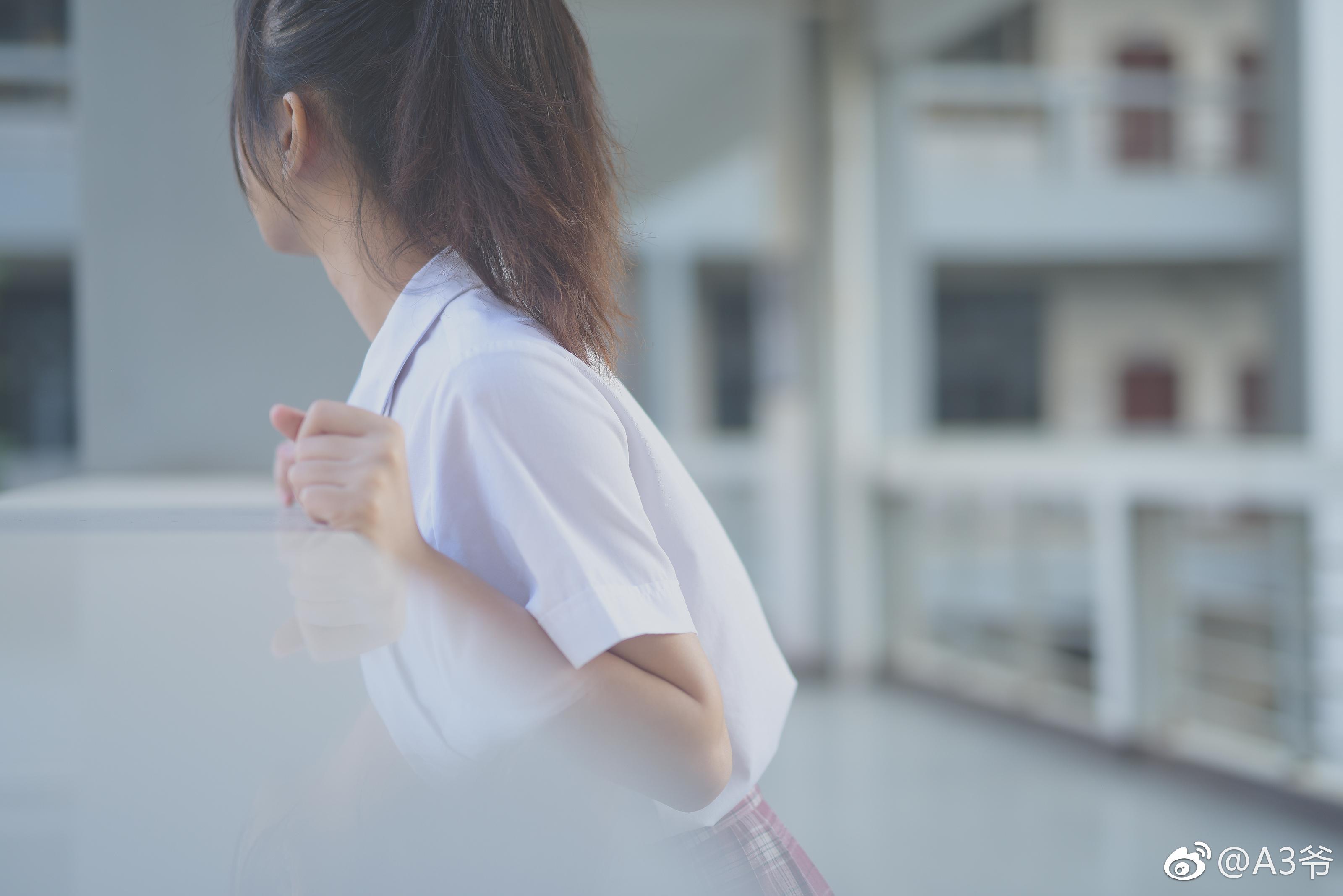 制服萌妹的私影写真,摄影师真棒(9P)