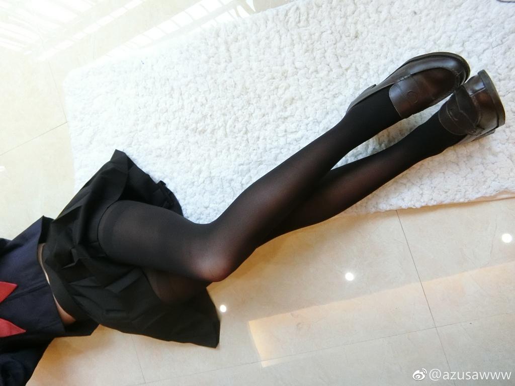 美腿萌妹一尾阿梓的丝袜福利,带真相爆照啦(32P)