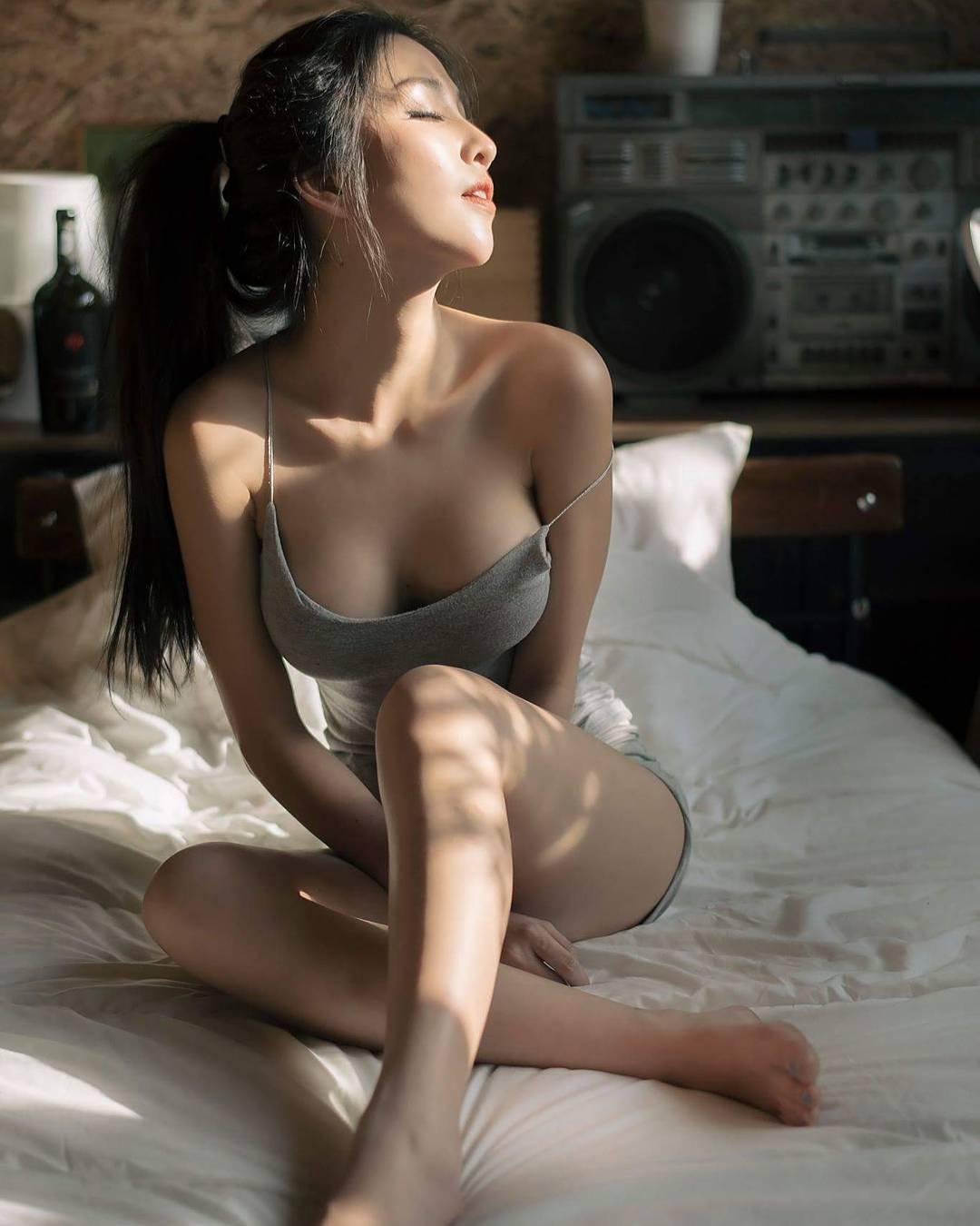 高颜值养眼妹子第五波:好身材的女孩运气都不会太差[20P]