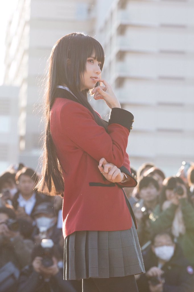 每日妹子图:C93日本冬季同人展上Cos蛇喰梦子的enako