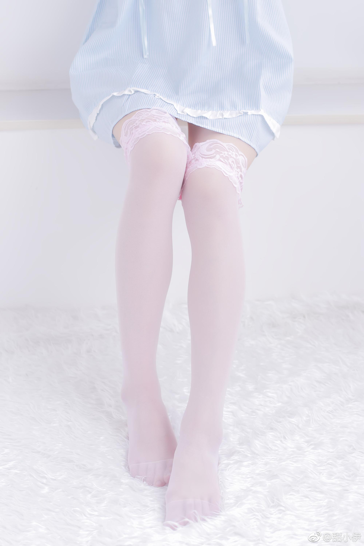 白丝袜控福利:卖丝袜的店长甜小伊(9P)