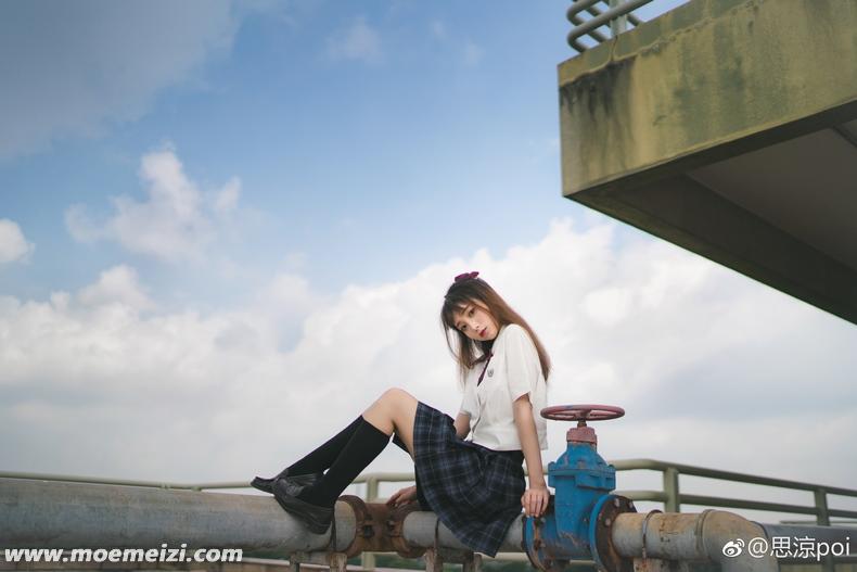 清纯的夏日JK制服少女@思涼poi 美女写真-第5张