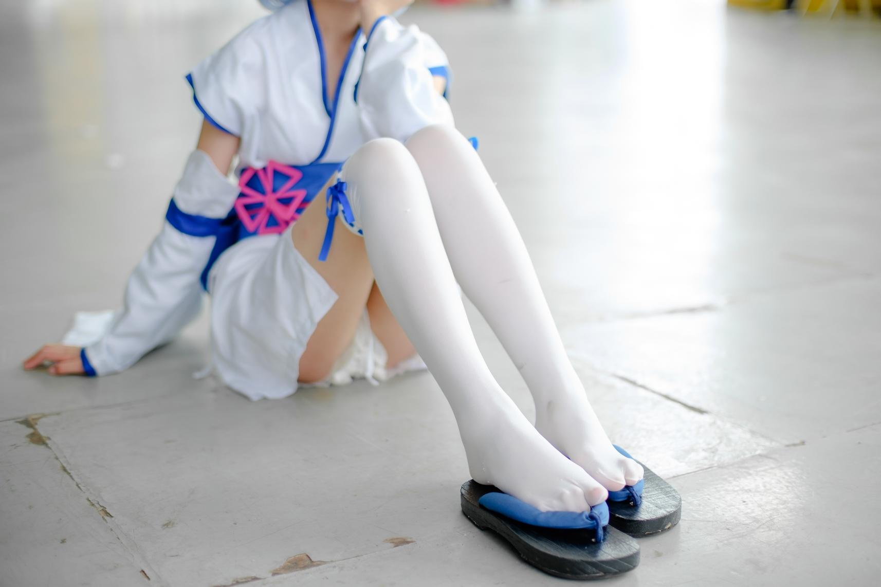 森萝财团白丝福利:幼年拉姆蕾姆腿图场照(15P)