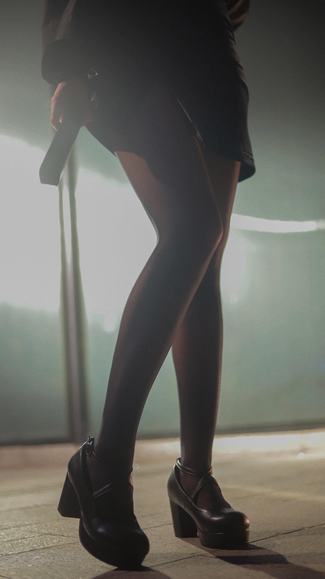一组腿子,脸在图5 美女写真-第3张