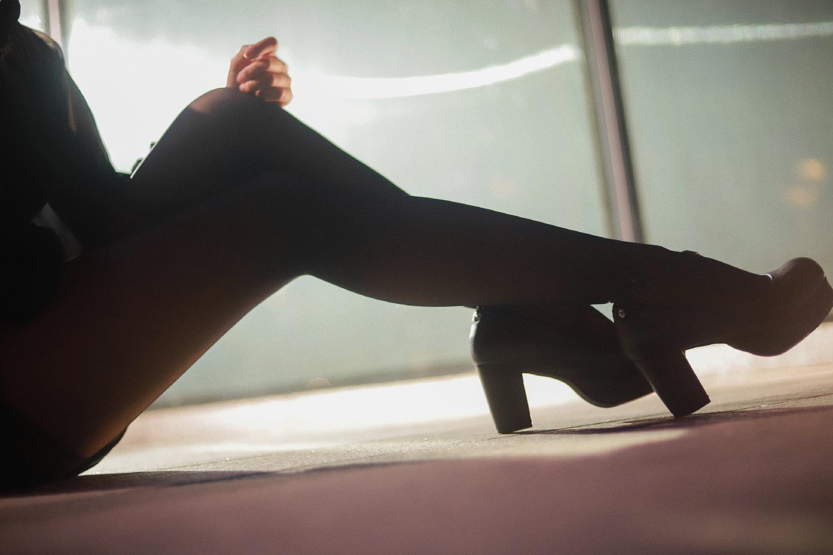 一组腿子,脸在图5 美女写真-第4张