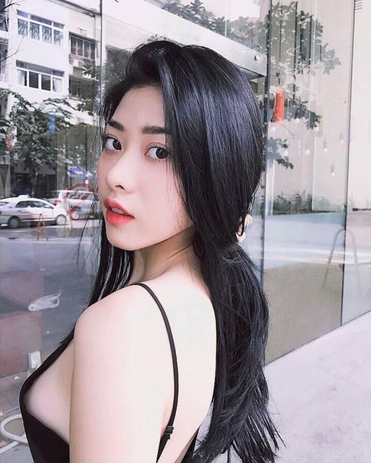 夏天对穿背心的女生没有抵抗力!(9P)
