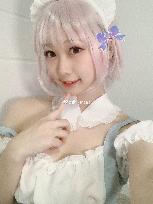 是爱丽丝的女仆装