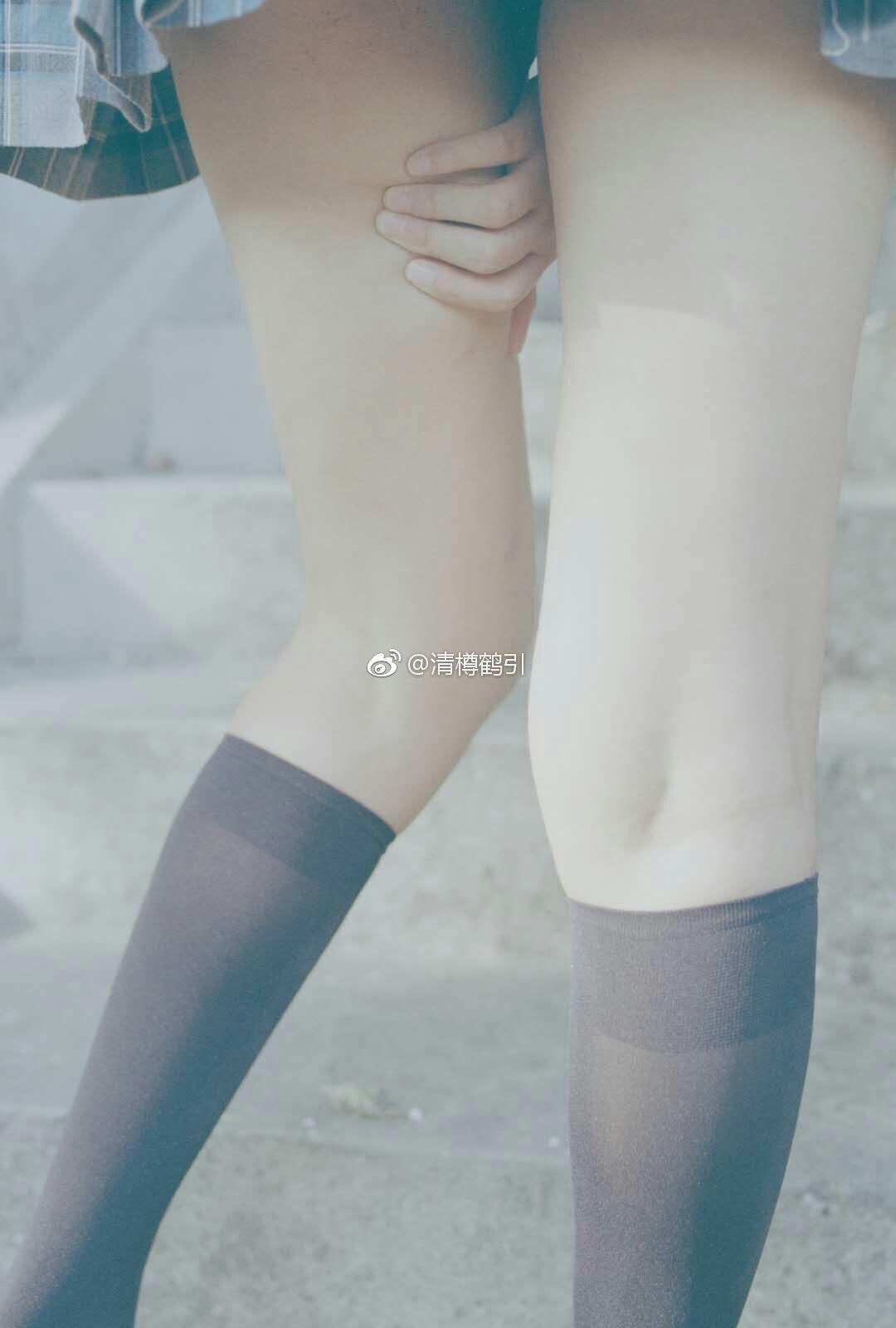 腿控福利,撩人的萌妹子制服写真(9P)