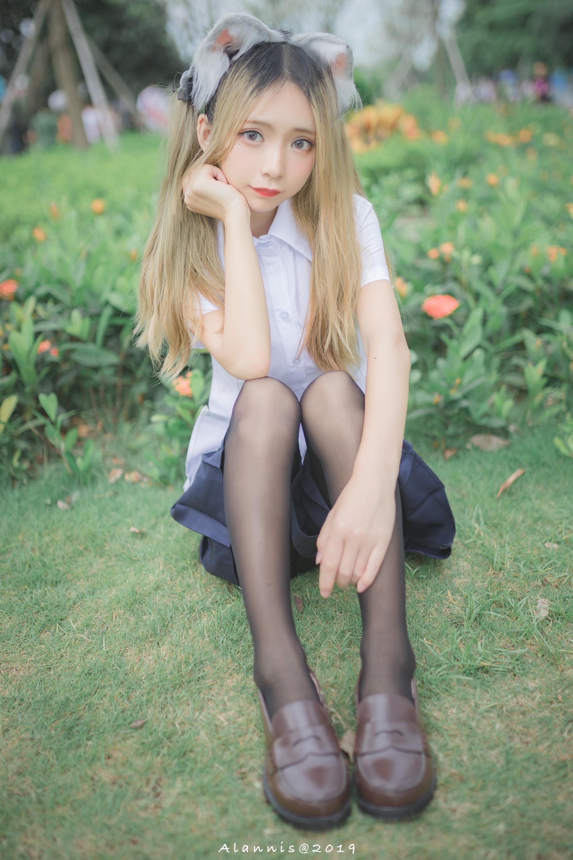 漫展上的小清新萝莉妹子(6P)