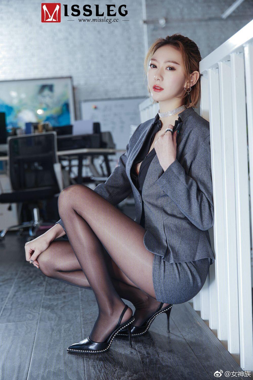 社会社会,一组Missleg的办公室黑丝美腿OL 美女写真-第1张