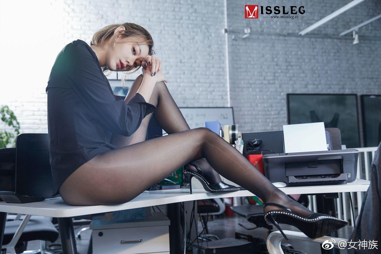 社会社会,一组Missleg的办公室黑丝美腿OL 美女写真-第9张