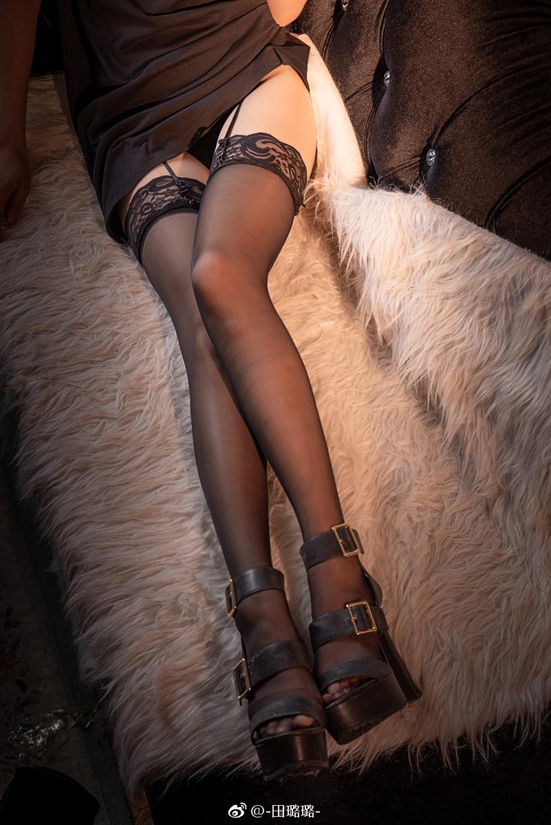 黑丝的正确穿法,吊带袜赛高!(9P)