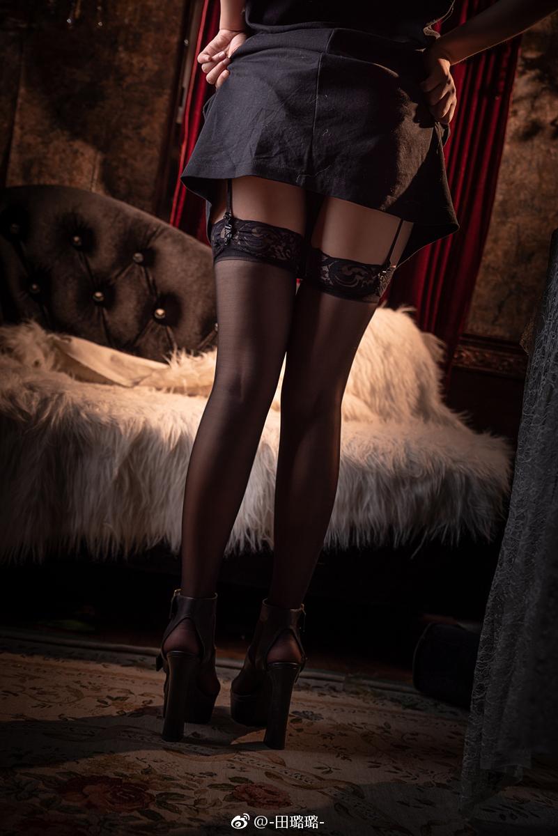 黑丝的正确穿法,吊带袜赛高! 美女写真-第9张