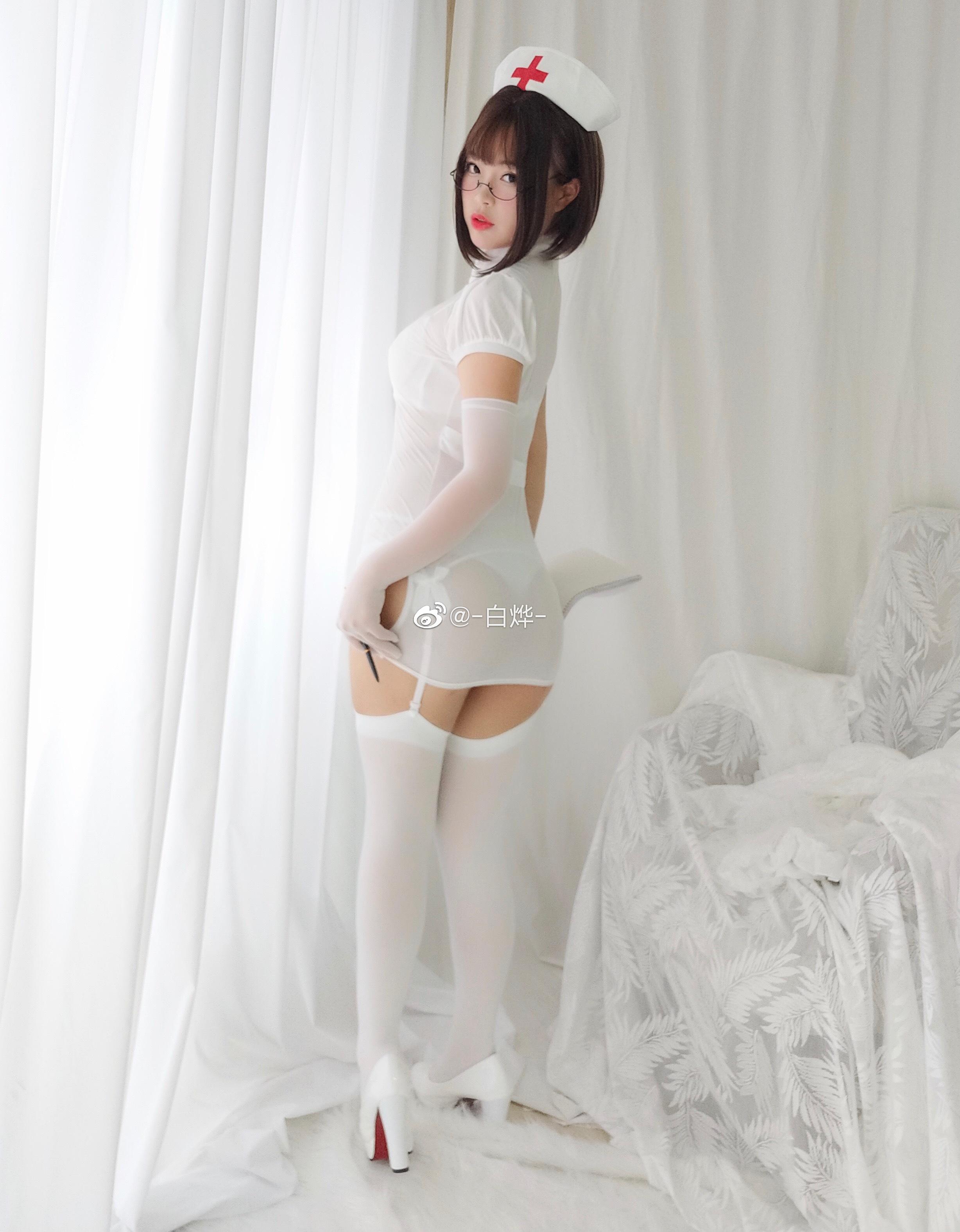 想被圆脸肉腿吊带袜的小护士打针吗?