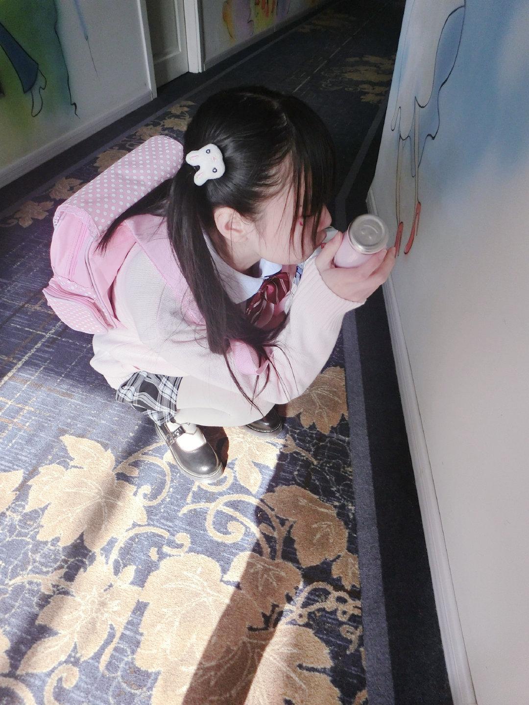 喜欢穿白丝的@双马尾少女赛高酱