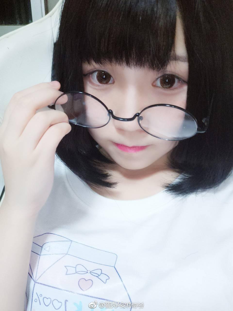 安利一波萌萌哒眼镜少女 素人自拍-第8张