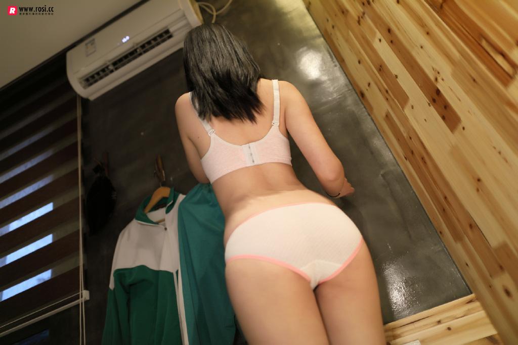 Rosi福利写真在线看:褪去校服的小姐姐(36P)