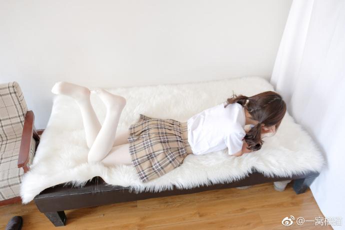 微博萝莉妹子@藤之宫宁宁JK制服白丝福利(9P)