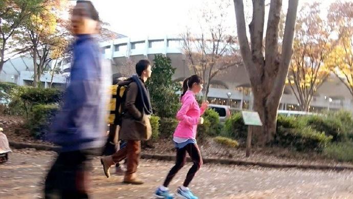 公园慢跑搭讪后立刻转移阵地运动了